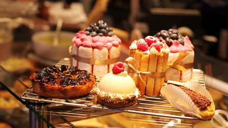 French pastries on display at Bouche à Bouche in Paris © Olezzo / ThinkStock