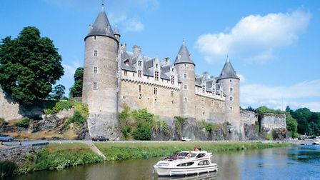 Self-drive boating on the Canal de Nantes à Brest in Brittany