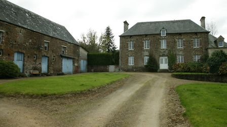 An equestrian home in St Honere