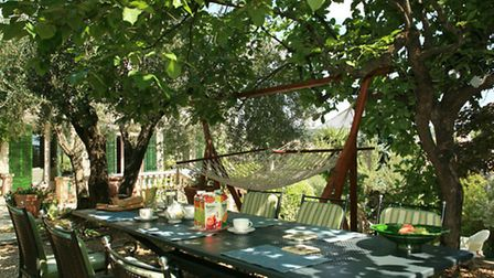 La Sarrazine B&B has three rooms and a large garden with pool, tennis courts and scenic views