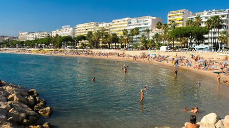 The free public beach in Cannes © Tristan Rutherford