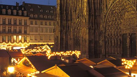 The cathedral and market in Strasbourg © Christophe Hamm/OT Strasbourg