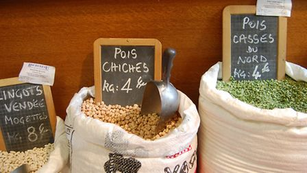 Sacks of beans and pulses at L'Huilerie Cayzac