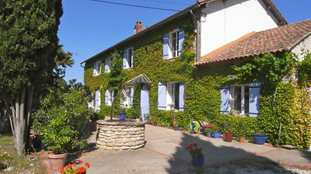 Close to Carpentras in Vaucluse is for sale for E718,000