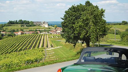 Guests can hire the classic cars to tour the area © logisduparadis.com