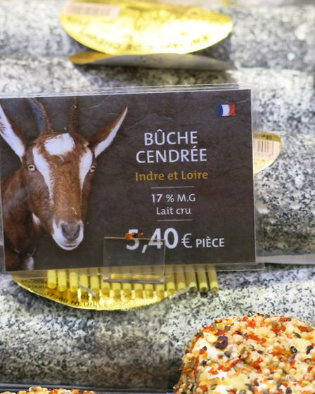 Try the local goat's cheese, © Rodolphe Franchi