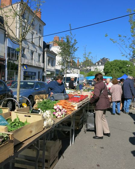 The market outside Les Halles in Tours, © Rodolphe Franchi