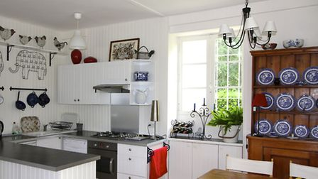 The spacious dining kitchen