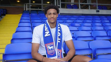 Ipswich Town have signed striker Tete Yengi from the Newcastle Jets on a one-year deal