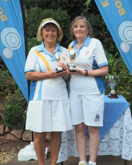 Winner of the Madeira Cup, Debbie Cole (right) with r/u Gloria Taylor