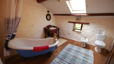 Stone cottage for sale in Haute-Vienne in France with Cendrillon Immobilier