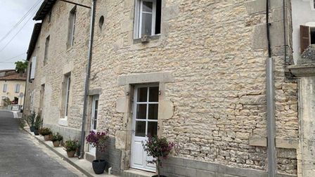 Three-bed house for sale in a Charente village with Sovimo Immobilier
