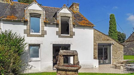 Four-bed stone house close to a Côtes-d'Armor town in France for sale with Agence Newton