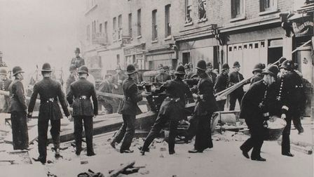 Police fail to clear Cable Street barricades... so Mosley told to calloff march