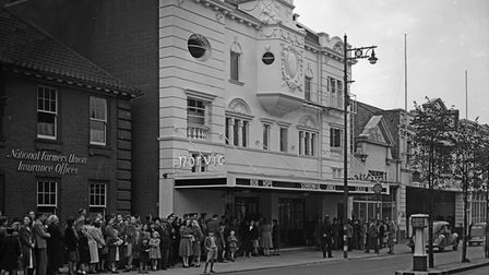 Queues forming outside the Norvic Cinema on Prince of Wales Road in 1950. Photo: Norwich 1945 to 196