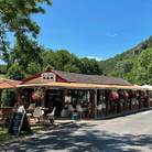Les Roches restaurant in Auvergne, France
