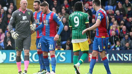 John Ruddy goes up for a corner in the closing stages of the match between Crystal Palace and Norwic