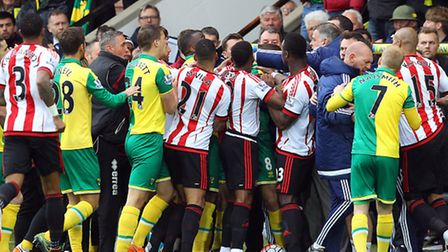 Sunderland manager Sam Allardyce in the thick of it as tempers flare during the Barclays Premier Lea
