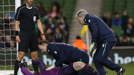 Republic of Ireland's Rob Elliot is out of Newcastle's Premier League run-in after suffering a knee