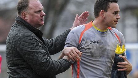 Gary Setchell gives Alex Street a pat on the back for his efforts on Saturday. Picture: MATTHEW USHE