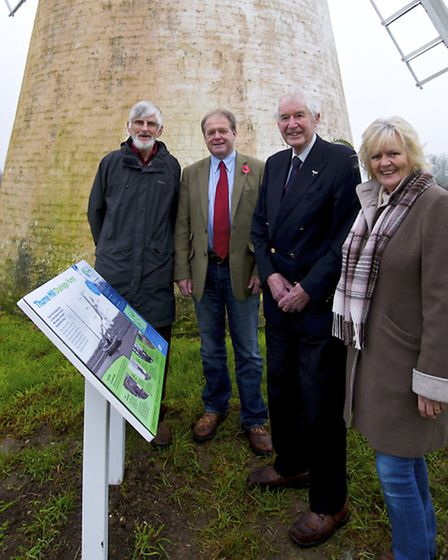 Love the Broads has provided a grant which has funded a 'Welcome and Education sign' for Thurne wind