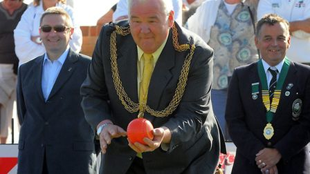 Start of the Great Yarmouth Bowls Festival - Mayor Tony Smith bowls the first wood to officially ope