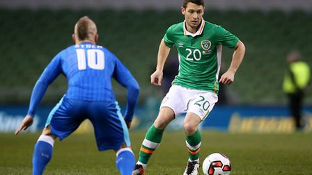 Republic of Ireland's Wes Hoolahan and Slovakia's Miroslav Stoch (left) battle for the ball during a
