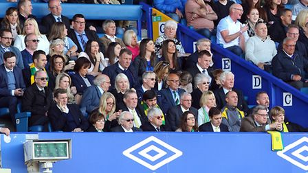 A glum looking Norwich board during the match at Goodison Park, Liverpool. Picture by Paul Chesterto