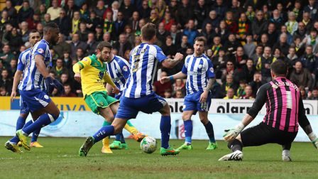 Wes Hoolahan takes on the entire Sheffield Wednesday defence in 2015.