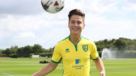 Sergi Canos shows off his ball juggling skills after signing for Norwich City. Picture: Jasonpix