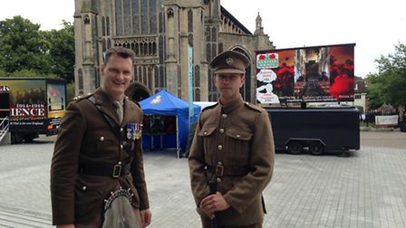 From left, Lt Col David Carter, of the Cambridge University Officers' Training Corps, and Bradley Co