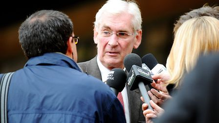 Former Norwich City chairman Roger Munby will chair a new committee to help sick children.