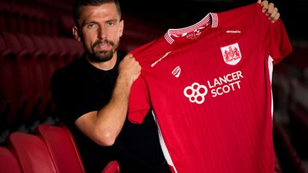 Gary O'Neil makes a swift return to Norwich City with Bristol City. Picture: jmpuk.com