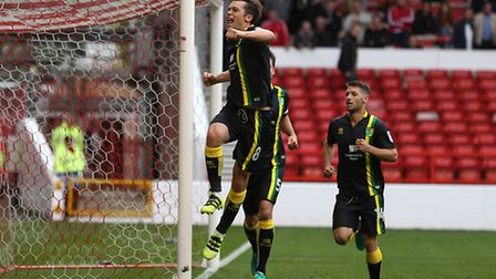 Jonny Howson levelled for Norwich City at Nottingham Forest in a 2-1 league win. Picture by Paul Che
