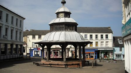 On May Bank Holiday Monday morning, took this photo of the Market Cross in North Walsham. Hardly any
