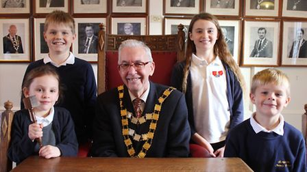 Town mayor David Gooch with Sheringham Primary School council members (from left): Eliza, Ben, Rose