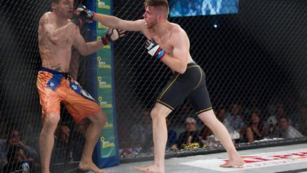 Andre Goncalves, right, thrilled crowds against Aaron Khalid at Contenders 15