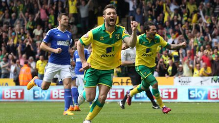 Wes Hoolahan celebrates putting Norwich City ahead in their Championship play-off semi-final against
