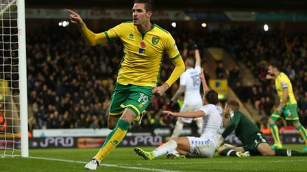 Kyle Lafferty of Norwich celebrates scoring his sides 2nd goal during the Sky Bet Championship match