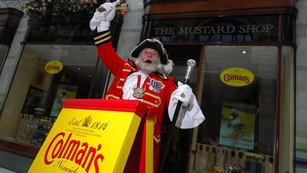 City Crier of Norwich David Bullock, voices his support for the Mustard Shop. Photo: Simon Finlay ©