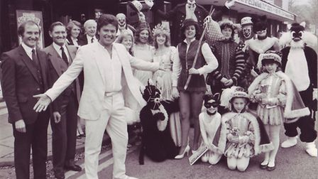 Paul Henry and the Pattern brothers with the cast of Dick Wittington for the 1983 Theatre Royal Pant