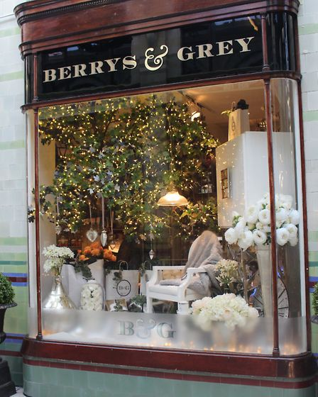 Berrys & Grey Christmas Window 2016. Photo by Emily Revell