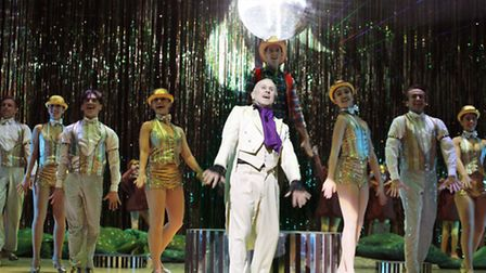 Wayne Sleep as Phineas P Stinkworthy with the cast of Jack and the Beanstalk at Norwich Theatre Roya