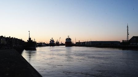 The River Yare approaching high tide in Great Yarmouth, at 8am on Friday 13th January 2017.Picture: