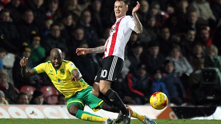 Youssouf Mulumbu has headed off to join up with his country ahead of the African Cup of Nations. Pic