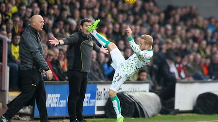 Alex Pritchard gets the ball clear at Pirelli Stadium: Picture: Paul Chesterton/Focus Images