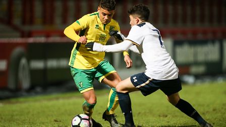Max Aarons takes on Samuel Shashoua of Tottenham during last night's FA Youth Cup tie.