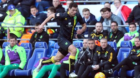 Yanic Wildschut of Norwich in action during the Sky Bet Championship match at the Cardiff City Stadi