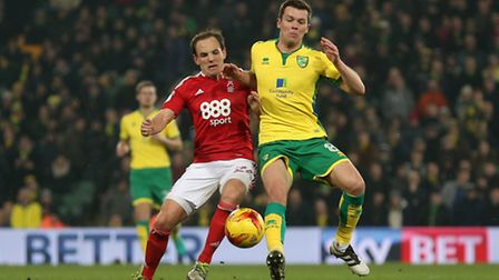 David Vaughan of Nottingham Forest and Jonny Howson of Norwich in action during the Sky Bet Champion