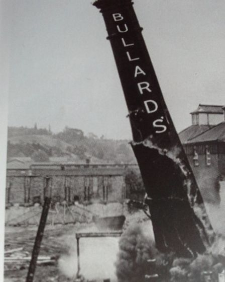 Going, going, gone...the landmark Bullards chimney comes down 35 years ago. Photo: Frances and Micha